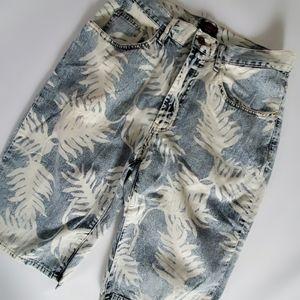 Vintage Tommy Hilfiger denim bermuda shorts leaf